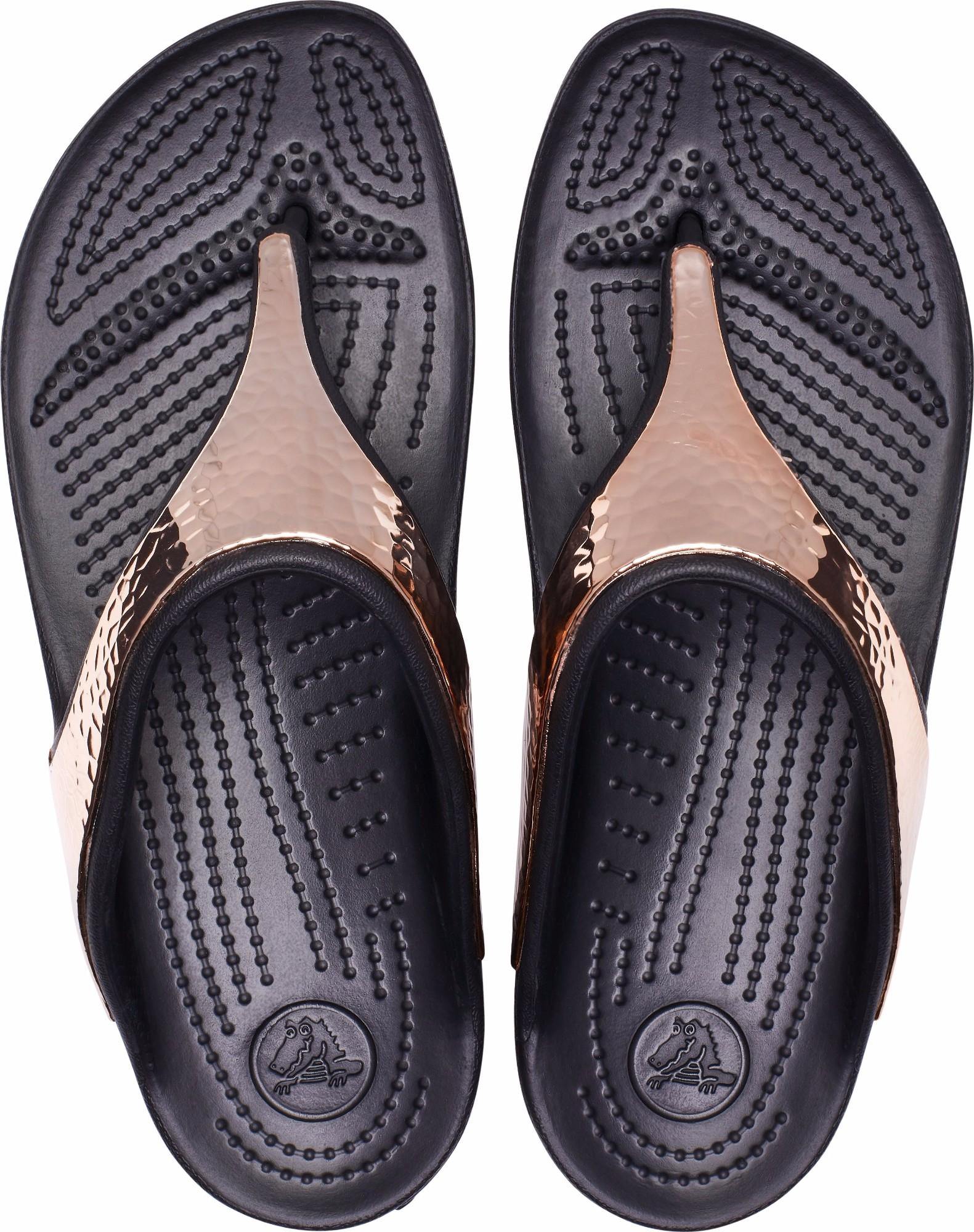 3654abd61fc Crocs™ Sloane Hammered Metallic Flip | OPEN24.EE